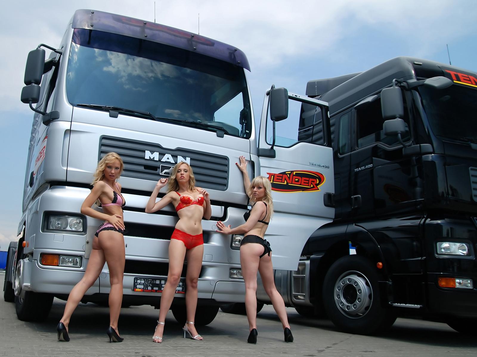 Сосут в грузовиках, Дальнобойщик (найдено 78 порно видео роликов) 13 фотография